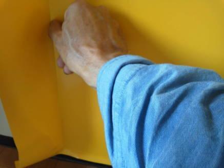 キッチンのシンクのカスタマイズ メークアップシートの貼り方6
