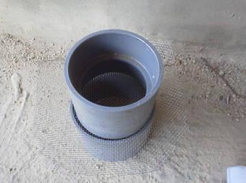 換気チャンバー用 虫侵入防止網 自作 まず金網を外筒と継ぎ手の間に挟み込む