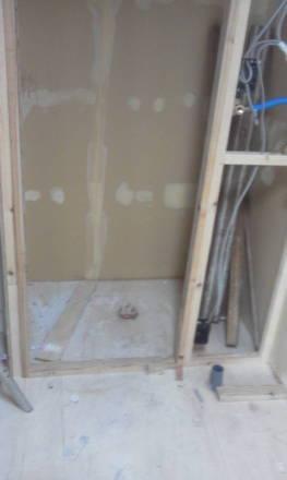 セパレートタイプにするためにトイレの新設 水道管の新設