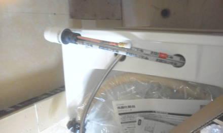 ャンプードレッサーの新設 シャンプードレッサーに給水金具を取り付け