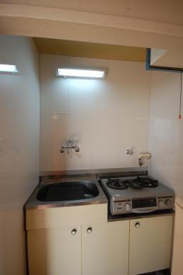 給湯付きキッチンの写真