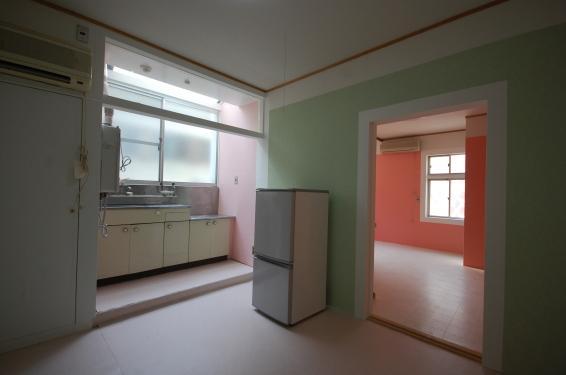 壁紙選べる1DKアパート室内キッチン