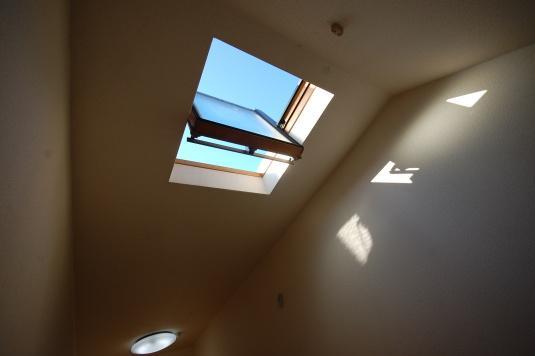南向きロフト付きアパート 天窓は開くことが出来ます