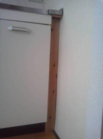 清潔なアパートにするため隙間をなくす 四周の隙間を塞ぎます。
