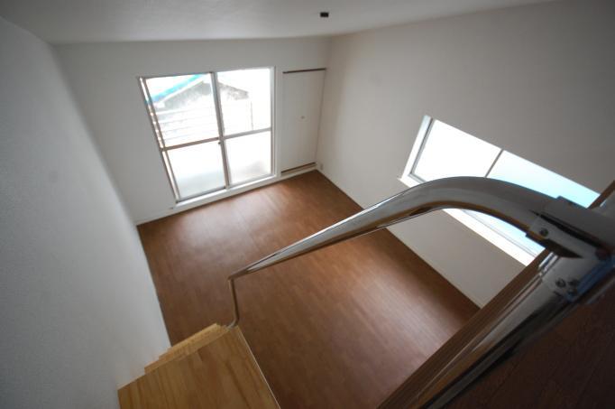 高度防犯対策ハイツ ロフト付き ロフトから下の洋室