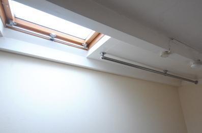 ロフト付きお部屋の選ぶポイント ロフトには物干し棒があると便利です。