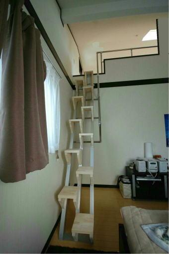 手すりの高さで壁まで取り付けるタイプ