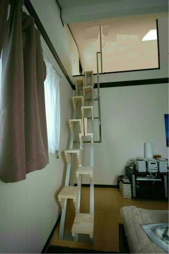 手すりを天井まで親柱に取り付けるタイプ