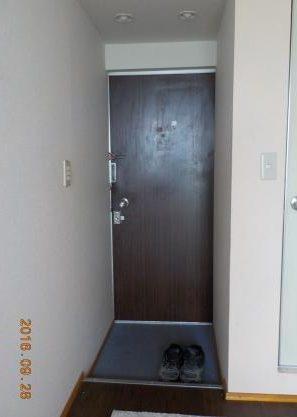 ドア内側張る前