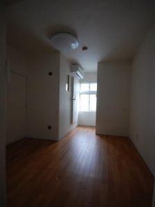 3重の防音室付アパート 洋室入り口側