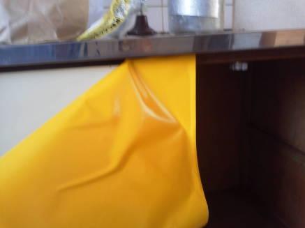 キッチンのシンクのカスタマイズ メークアップシートの貼り方3