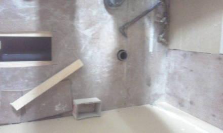 シャンプードレッサーの新設 作業用穴を補強します