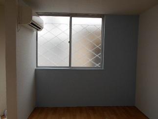 防音アパート A11窓辺のクロス