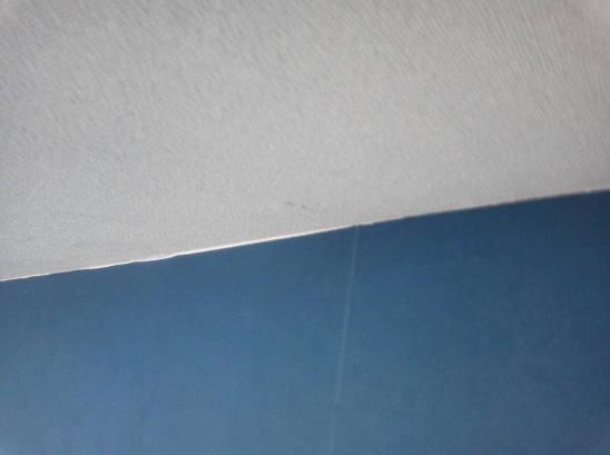 ダウンライトの取り付け 壁紙を仕上げます。