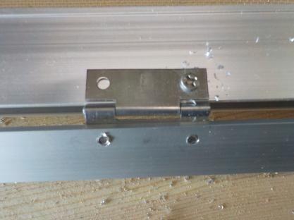 天窓網戸の製作 フラットバーを網戸に取付