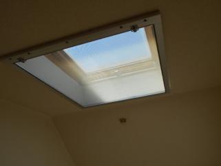天窓の網戸 ラッチ側の取付