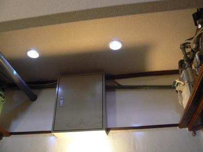 ロフト付きアパートの廊下のダウンライト LED照明