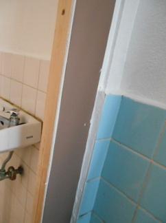 折り戸の取付 アルミ板の張り付け