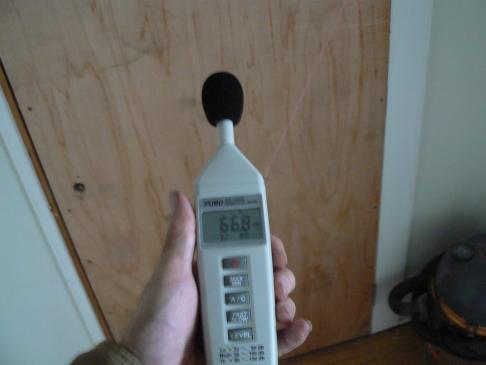 防音室 ドア外側騒音レベル