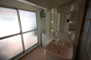 ロフト付きアパート シャンプードレッサー・洗濯機置き場