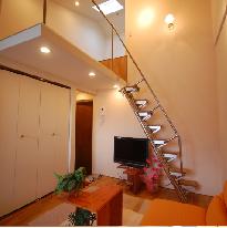 ロフトの下のお部屋も天井が高い