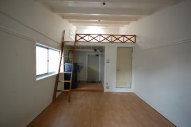 第3世代のロフト付きアパート 改造前1F204
