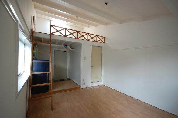 第3世代のロフト付きアパート 改装前2F204
