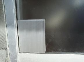 ガラス窓補強用金属板 外側