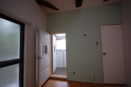 防音室付き古民家 2重の防音扉を開けたところ