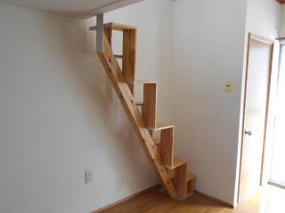 ロフトの階段手すり 取付前