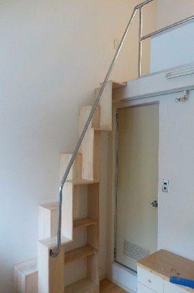 ロフトの階段をがっちりした階段に改修後