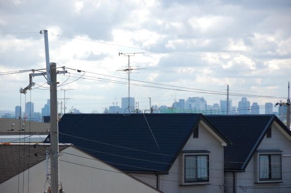 ロフト付きアパートに訪問者が見た大阪方面