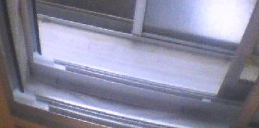 防音室の窓