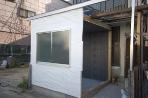 防音室外側防湿紙張り