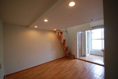 互い違い階段は上りやすい