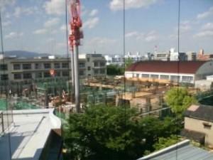 園田の小学校は建て替え中